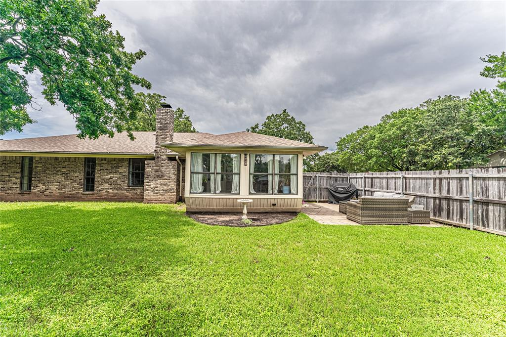 1026 Westminster  Lane, Mansfield, Texas 76063 - acquisto real estate agent of the year mike shepherd