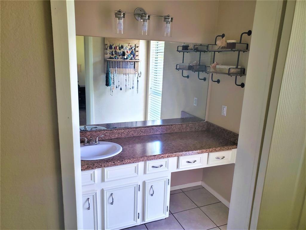 1018 Pardoners  Road, Abilene, Texas 79602 - acquisto real estate best luxury buyers agent in texas shana acquisto inheritance realtor