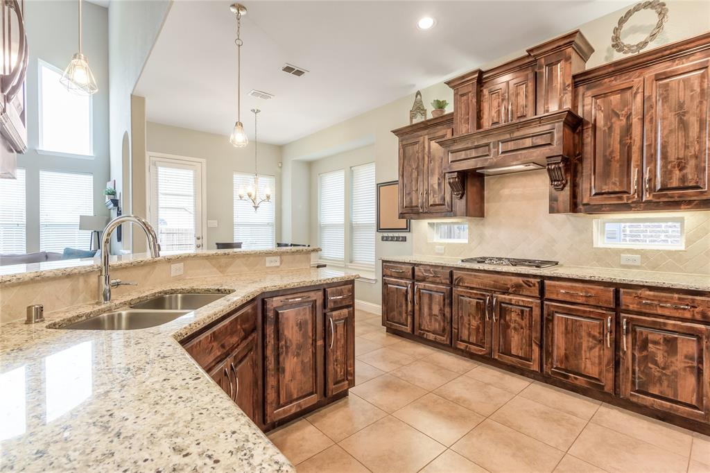 2425 Kingsgate  Drive, Little Elm, Texas 75068 - acquisto real estate best real estate company in frisco texas real estate showings