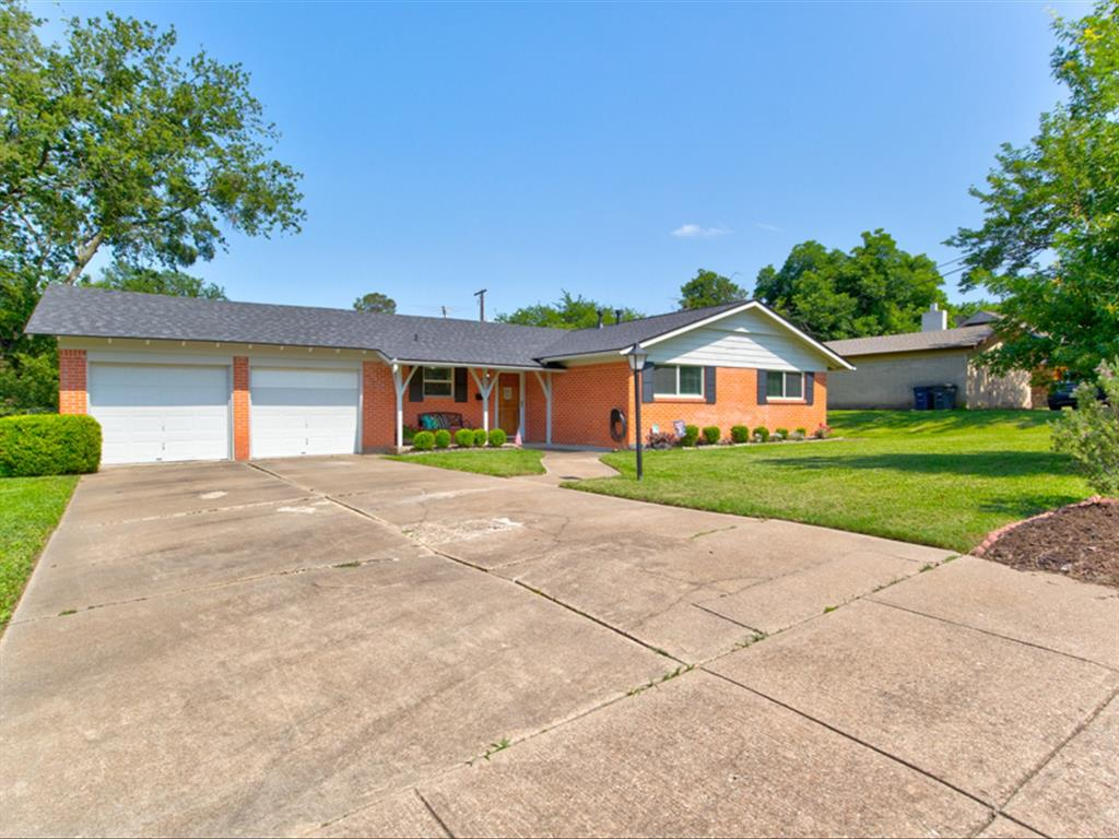 5621 Wedgworth  Road, Fort Worth, Texas 76133 - Acquisto Real Estate best plano realtor mike Shepherd home owners association expert