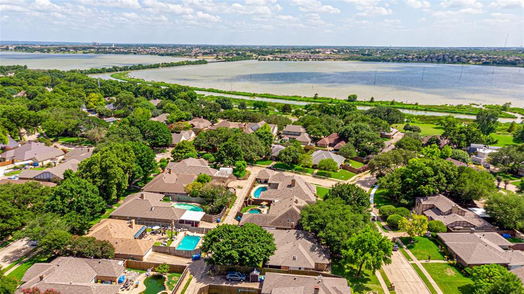 1906 Dover  Drive, Rowlett, Texas 75088 - Acquisto Real Estate best plano realtor mike Shepherd home owners association expert