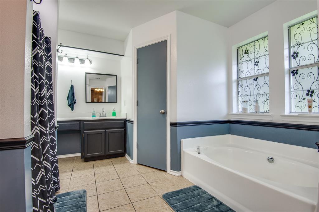 1204 Oak  Valley, Denton, Texas 76209 - acquisto real estate best realtor westlake susan cancemi kind realtor of the year