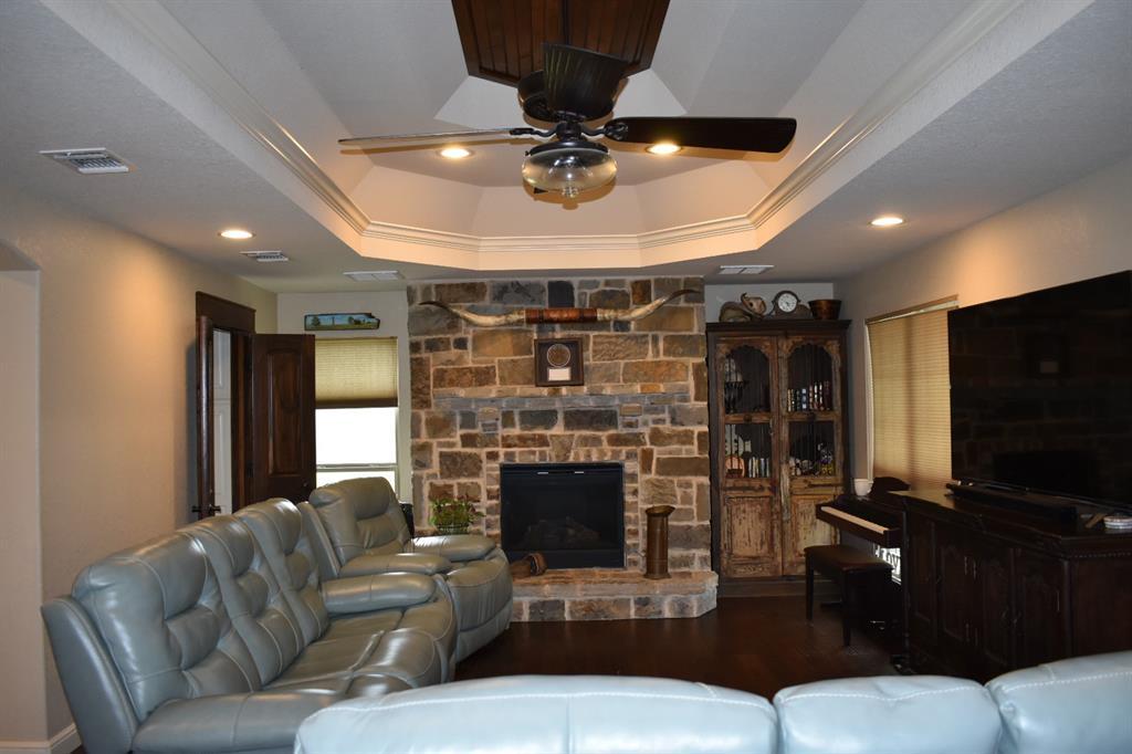 137 Kinbrook  Lane, Weatherford, Texas 76087 - acquisto real estate best the colony realtor linda miller the bridges real estate