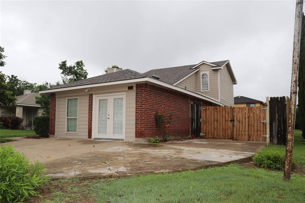 812 Earnest  Drive, Grand Prairie, Texas 75052 - acquisto real estate best allen realtor kim miller hunters creek expert