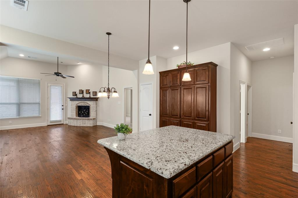 1624 Golf Club  Drive, Lantana, Texas 76226 - acquisto real estate best style realtor kim miller best real estate reviews dfw