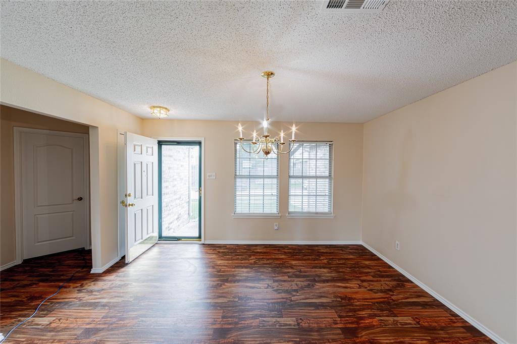 732 Oriole  Drive, Saginaw, Texas 76131 - Acquisto Real Estate best mckinney realtor hannah ewing stonebridge ranch expert