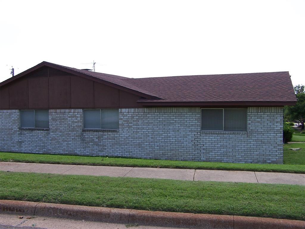 8258 Westrock  Drive, Dallas, Texas 75243 - acquisto real estate best the colony realtor linda miller the bridges real estate