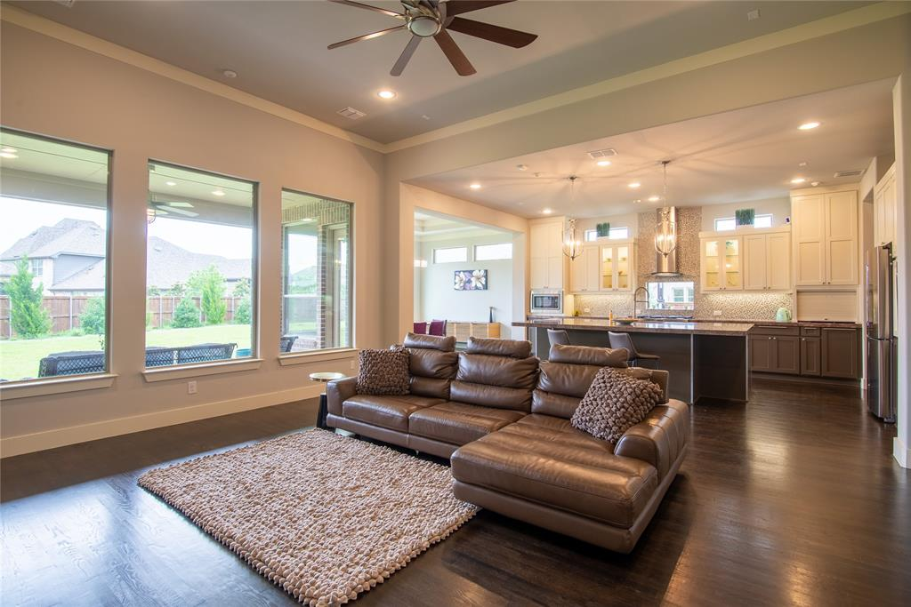 1317 Scarlet Oak  Drive, Arlington, Texas 76005 - acquisto real estate best listing listing agent in texas shana acquisto rich person realtor