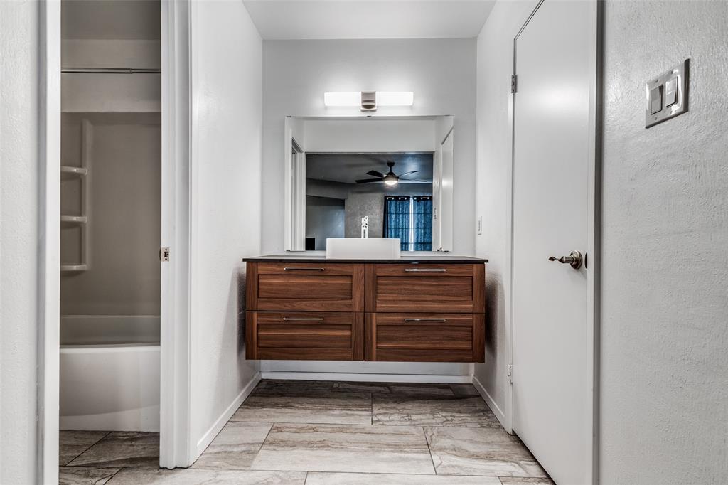 2703 Colleen  Drive, Arlington, Texas 76016 - acquisto real estate best highland park realtor amy gasperini fast real estate service