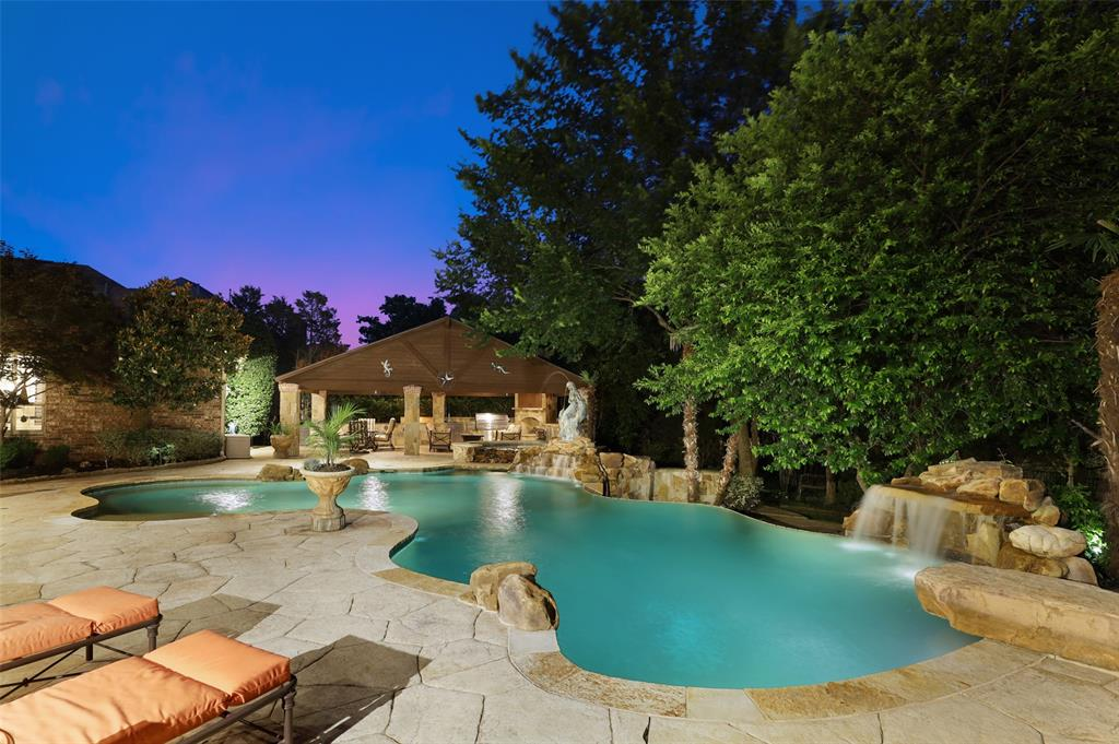 2300 Mockingbird  Lane, Flower Mound, Texas 75022 - acquisto real estate best the colony realtor linda miller the bridges real estate
