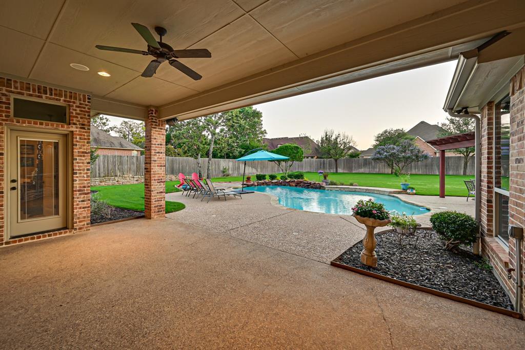 1040 Falcon Creek  Drive, Kennedale, Texas 76060 - acquisto real estate mvp award real estate logan lawrence