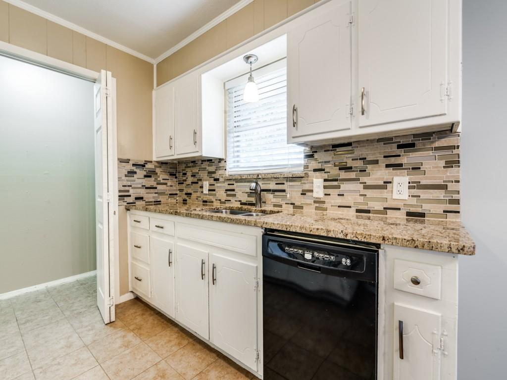 6321 Carousel  Drive, Watauga, Texas 76148 - acquisto real estate best real estate company to work for