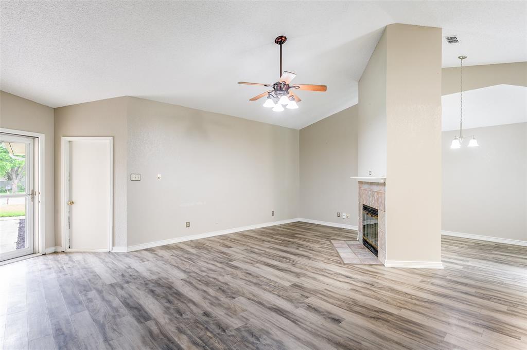 1025 Hills  Terrace, Saginaw, Texas 76179 - acquisto real estate best the colony realtor linda miller the bridges real estate
