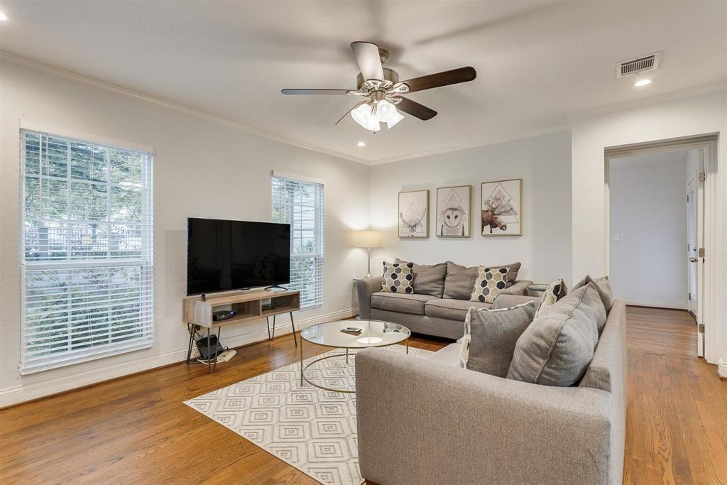 2423 Wentworth  Street, Dallas, Texas 75211 - acquisto real estate best celina realtor logan lawrence best dressed realtor