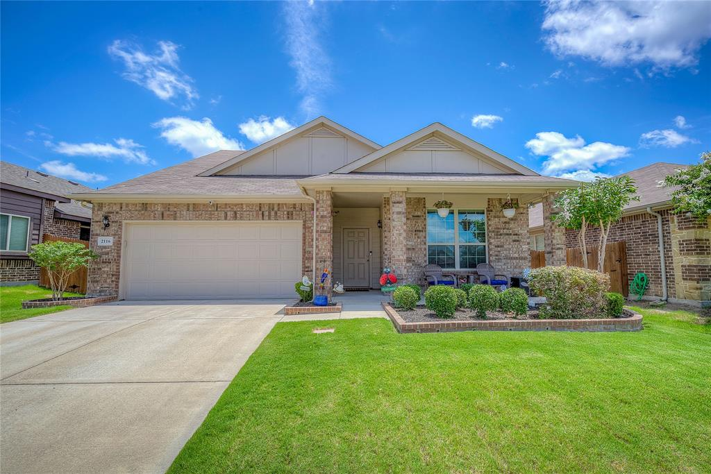 2116 Long Forest  Road, Heartland, Texas 75126 - Acquisto Real Estate best plano realtor mike Shepherd home owners association expert