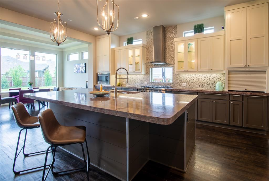 1317 Scarlet Oak  Drive, Arlington, Texas 76005 - acquisto real estate best investor home specialist mike shepherd relocation expert