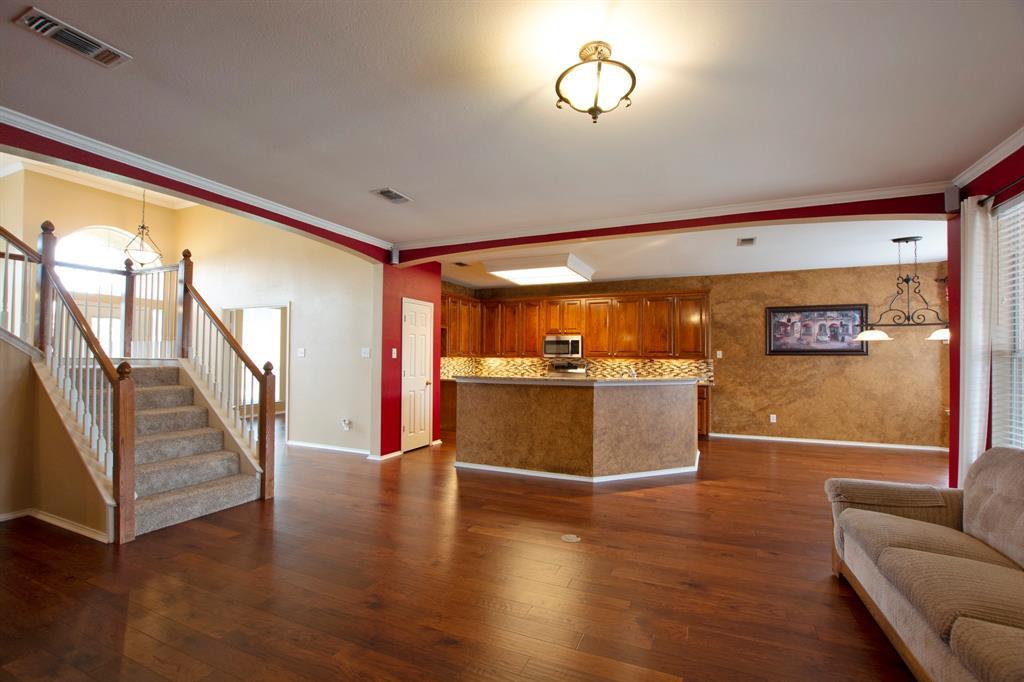 1701 Hill Creek  Drive, Garland, Texas 75043 - acquisto real estate best designer and realtor hannah ewing kind realtor