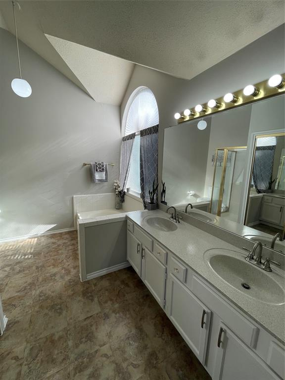 1205 Calvert  Drive, Cedar Hill, Texas 75104 - acquisto real estate best style realtor kim miller best real estate reviews dfw