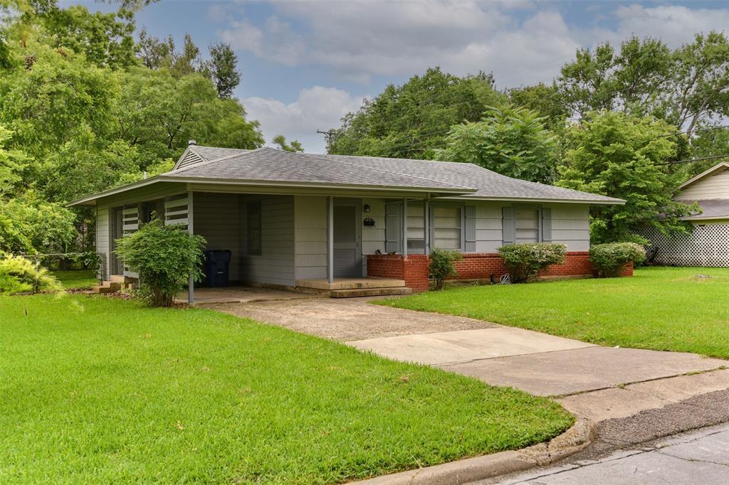 102 Pensacola  Avenue, Waxahachie, Texas 75165 - acquisto real estate best realtor westlake susan cancemi kind realtor of the year