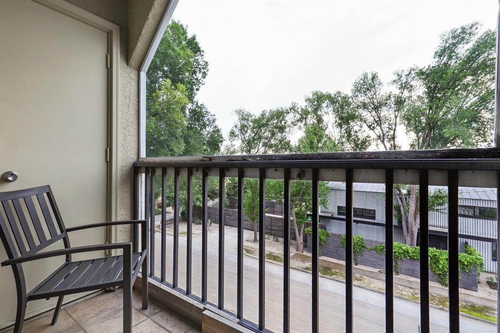 4800 Lovers  Lane, Dallas, Texas 75209 - acquisto real estate best highland park realtor amy gasperini fast real estate service