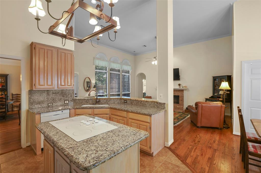 3825 Waterford  Drive, Addison, Texas 75001 - acquisto real estate best real estate company to work for