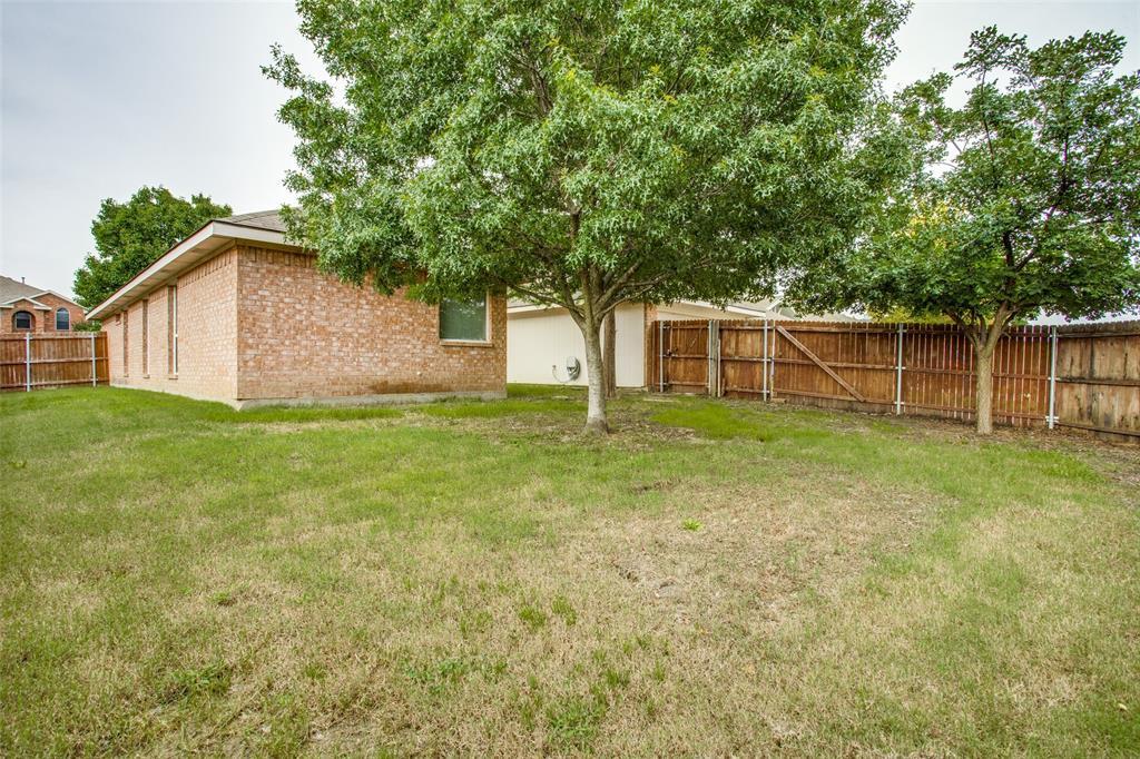 1514 Pine Bluff  Drive, Allen, Texas 75002 - acquisto real estate best frisco real estate agent amy gasperini panther creek realtor