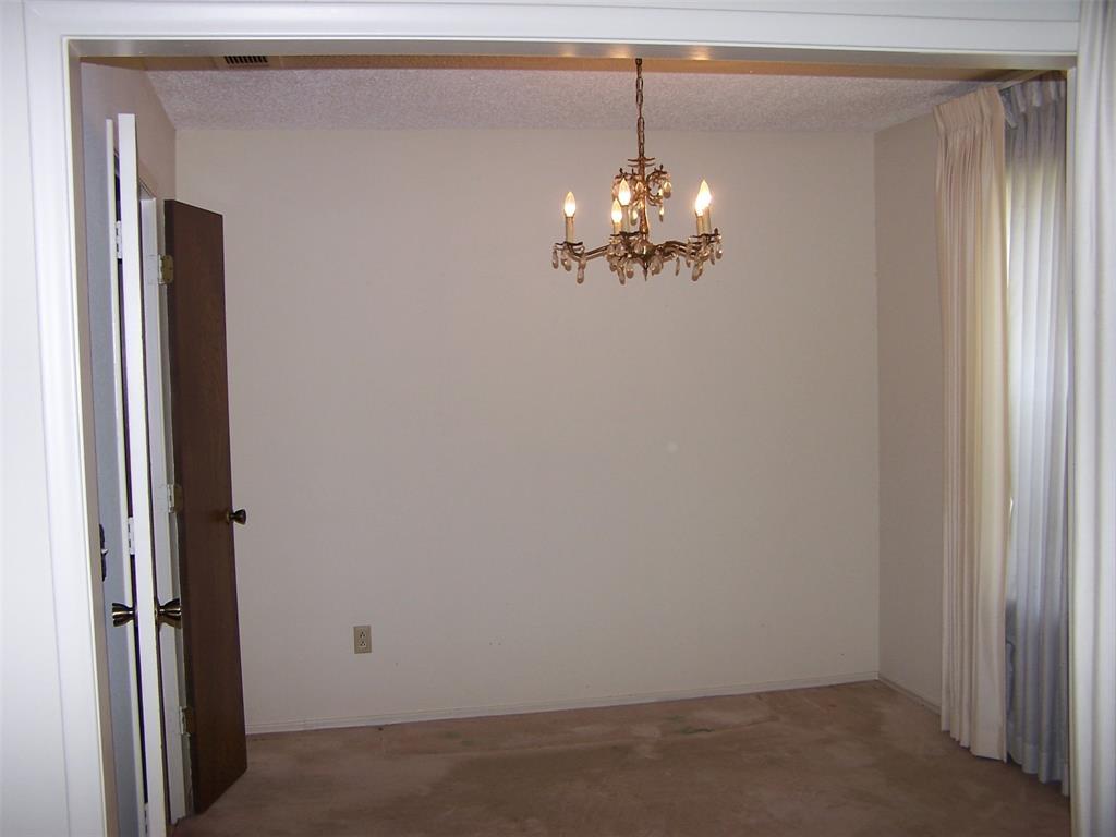 8258 Westrock  Drive, Dallas, Texas 75243 - acquisto real estate best new home sales realtor linda miller executor real estate