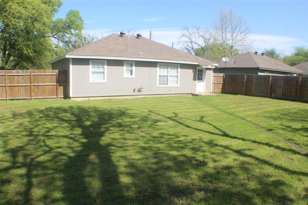 1132 Alvarado  Street, Cleburne, Texas 76031 - acquisto real estate best style realtor kim miller best real estate reviews dfw
