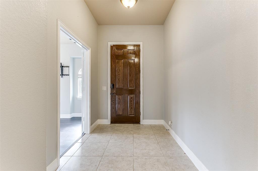 1000 Tarragon  Drive, Burleson, Texas 76028 - acquisto real estate best the colony realtor linda miller the bridges real estate