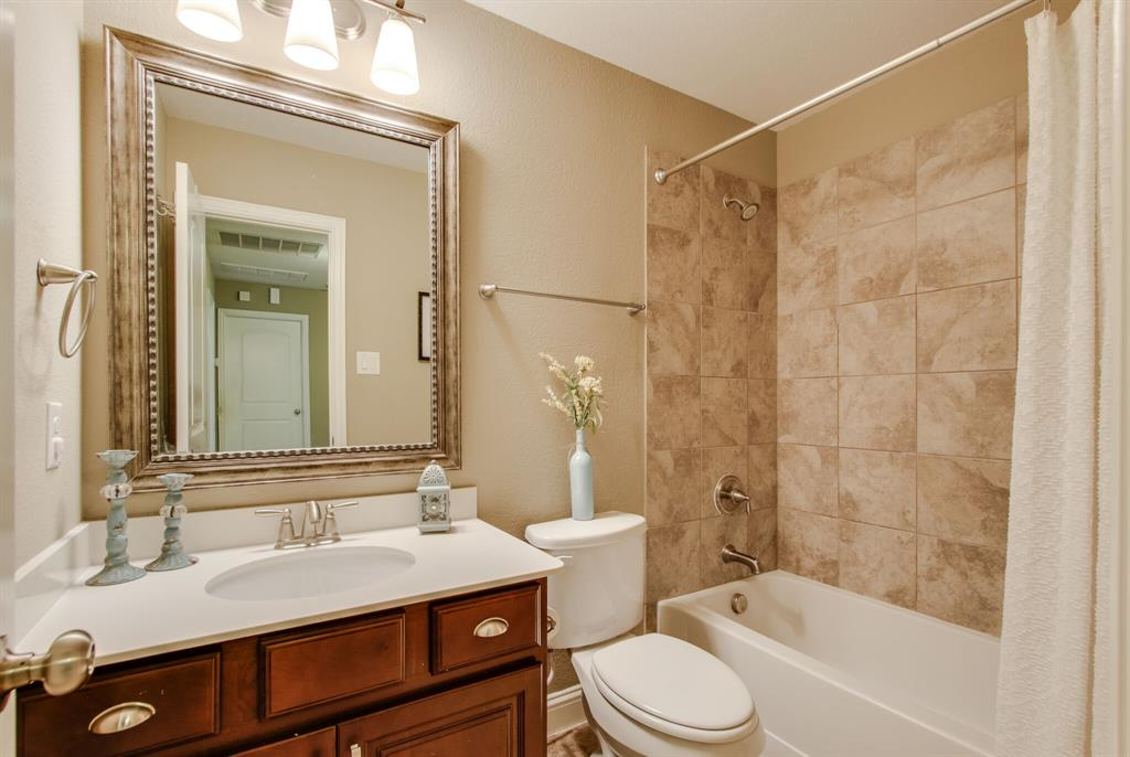 385 Busher  Drive, Lewisville, Texas 75067 - acquisto real estate best realtor dfw jody daley liberty high school realtor
