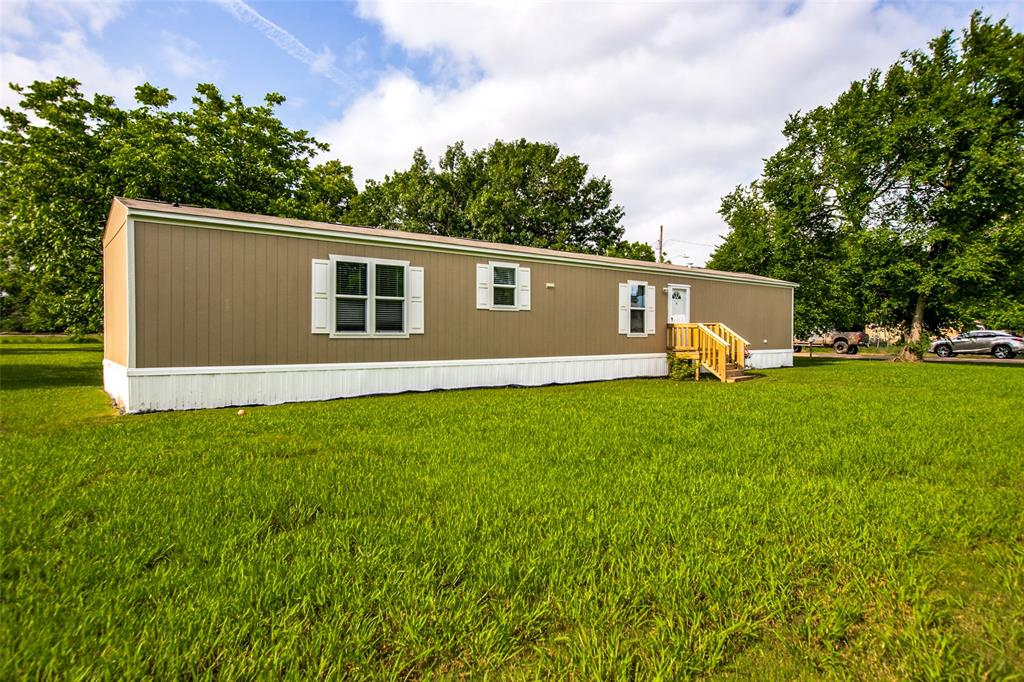 104 Sinclair  Avenue, Kerens, Texas 75144 - acquisto real estate best allen realtor kim miller hunters creek expert