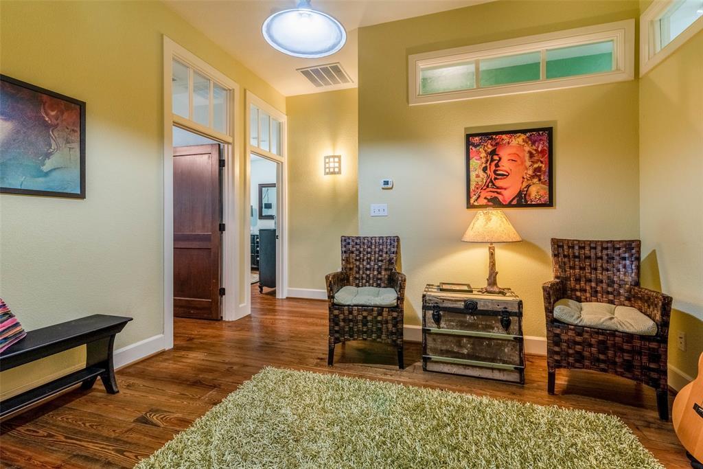 2340 Washington  Street, Sherman, Texas 75092 - acquisto real estate agent of the year mike shepherd
