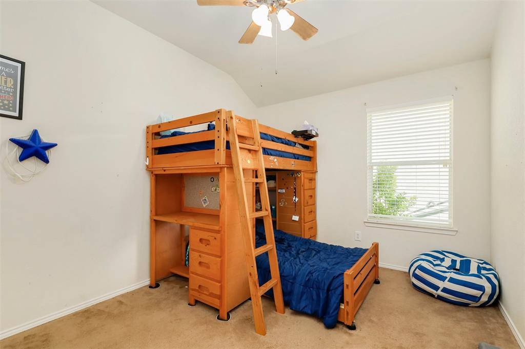 1012 Aviary  Drive, Aubrey, Texas 76227 - acquisto real estate best realtor foreclosure real estate mike shepeherd walnut grove realtor