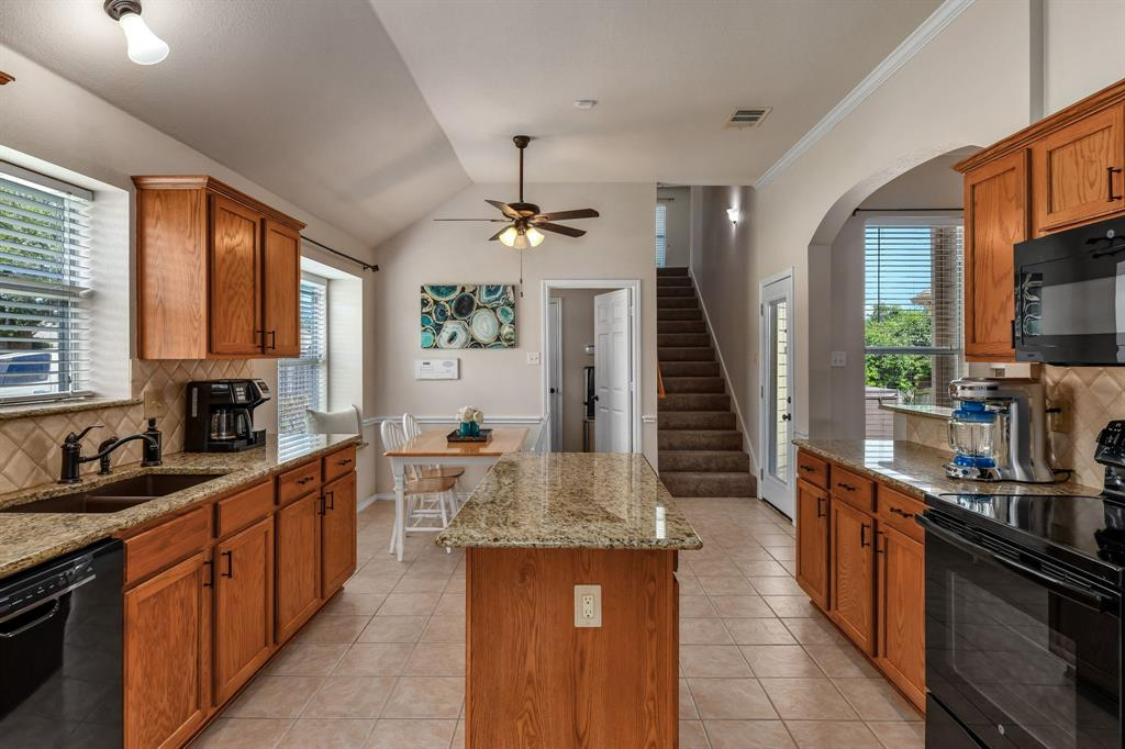 2824 Simmons  Drive, Sachse, Texas 75048 - acquisto real estate best frisco real estate broker in texas for high net worth buyers
