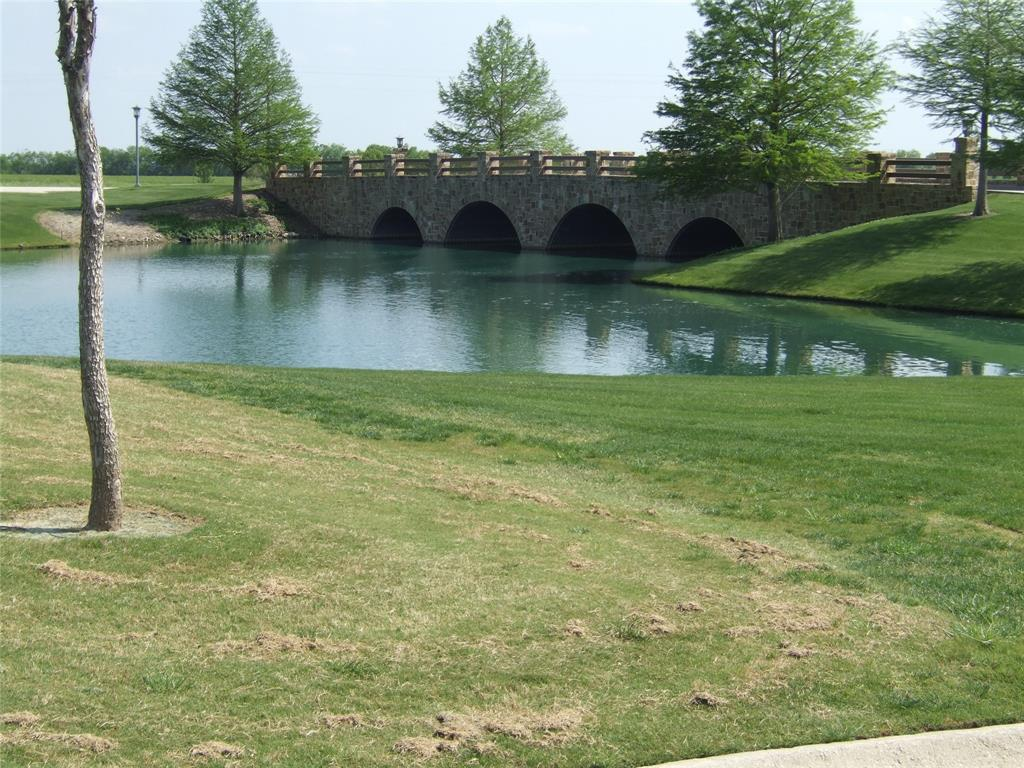 8917 Crestview  Drive, Denton, Texas 76207 - acquisto real estate best frisco real estate agent amy gasperini panther creek realtor