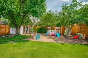 12446 High Meadow  Drive, Dallas, Texas 75244 - acquisto real estate agent of the year mike shepherd