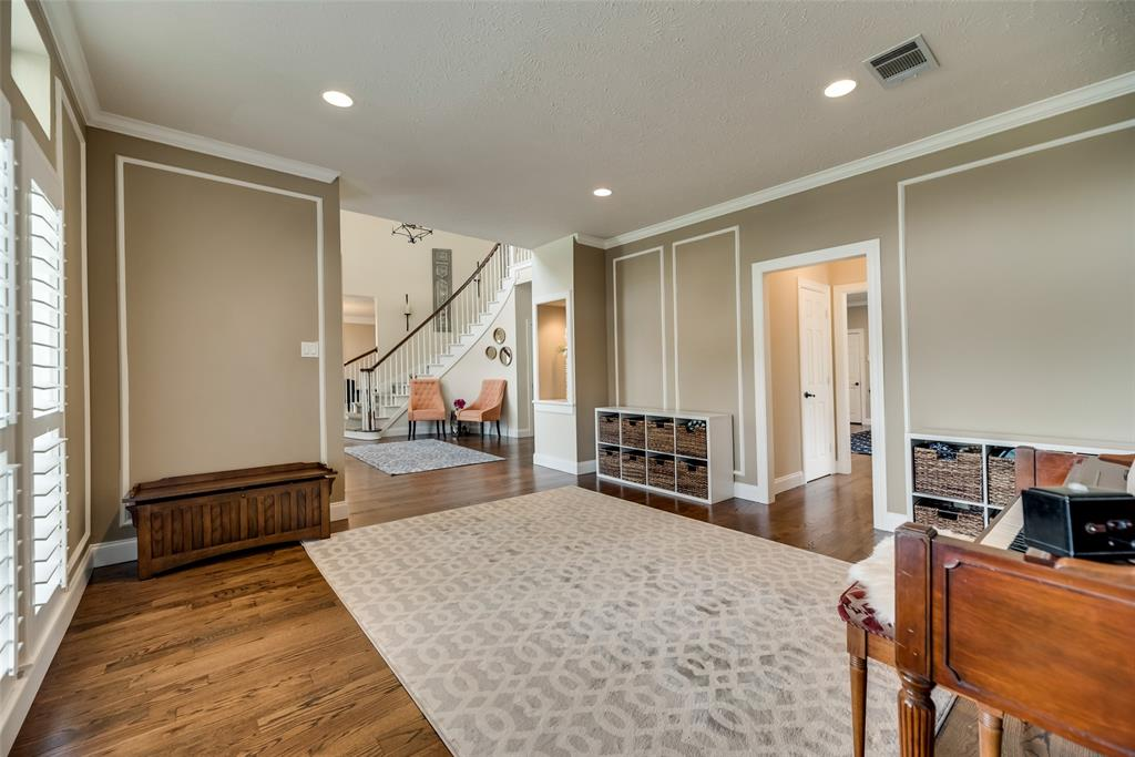 1209 Creekfield  Drive, Plano, Texas 75075 - acquisto real estate best investor home specialist mike shepherd relocation expert
