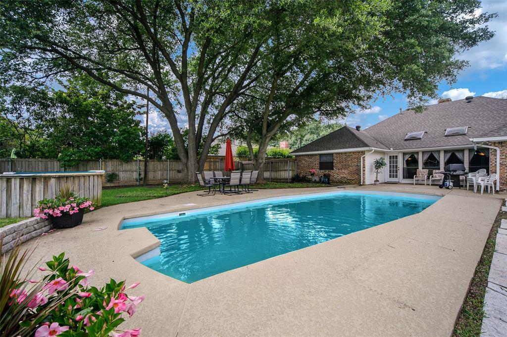 210 Mesa  Drive, Sunnyvale, Texas 75182 - acquisto real estate best negotiating realtor linda miller declutter realtor