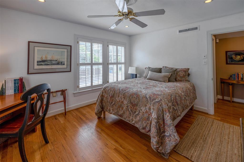 1154 Edgefield  Avenue, Dallas, Texas 75208 - acquisto real estate best frisco real estate broker in texas for high net worth buyers