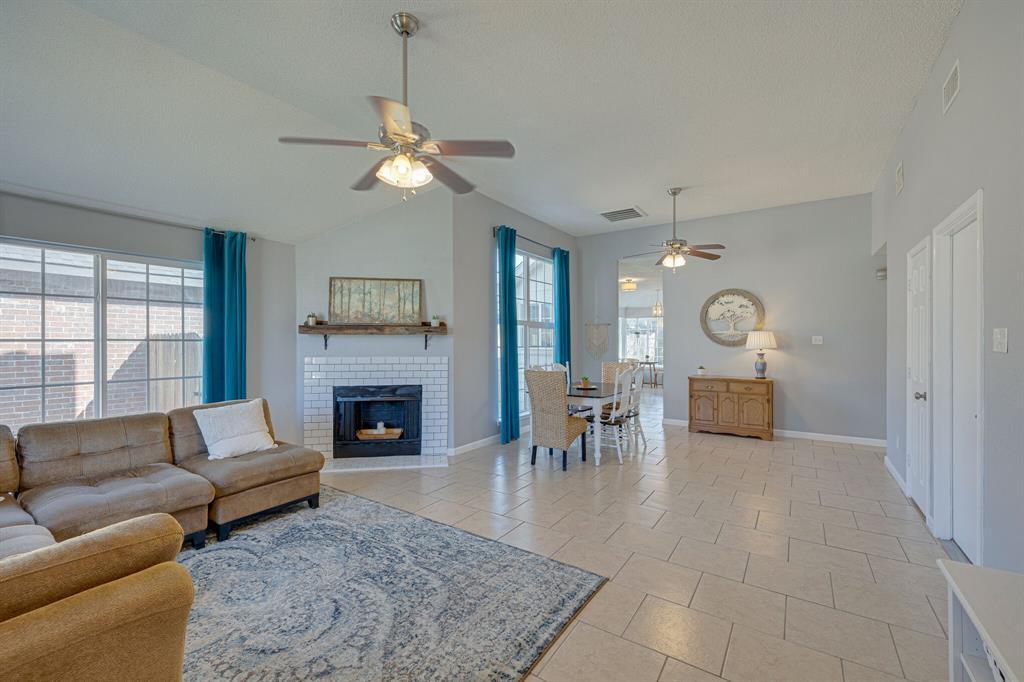8608 Sabinas  Trail, Fort Worth, Texas 76118 - acquisto real estate best prosper realtor susan cancemi windfarms realtor