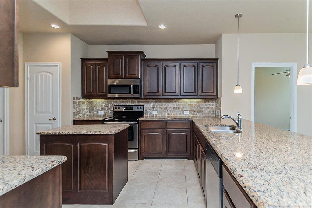 11308 Dorado Vista  Trail, Fort Worth, Texas 76052 - acquisto real estate best highland park realtor amy gasperini fast real estate service