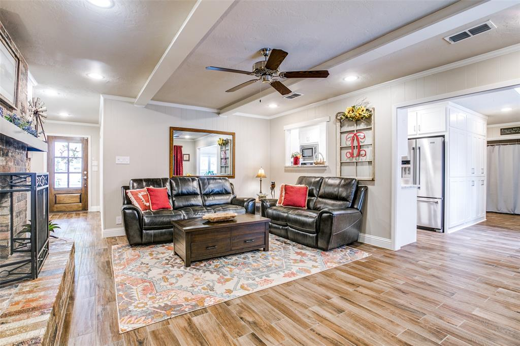 809 Wheelwood  Drive, Hurst, Texas 76053 - acquisto real estate best listing listing agent in texas shana acquisto rich person realtor
