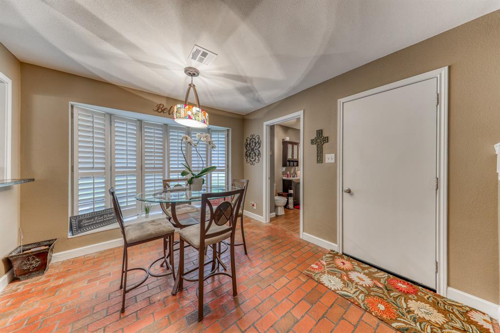 807 Hilltop  Drive, Weatherford, Texas 76086 - acquisto real estate best new home sales realtor linda miller executor real estate