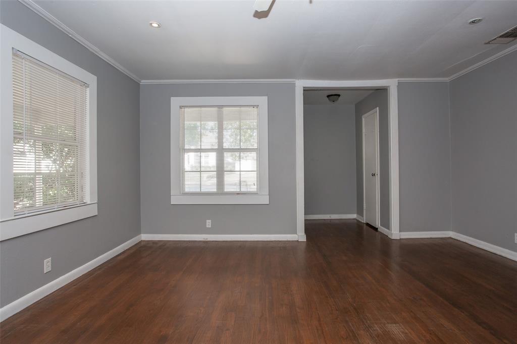 3613 Washburn  Avenue, Fort Worth, Texas 76107 - acquisto real estate best celina realtor logan lawrence best dressed realtor