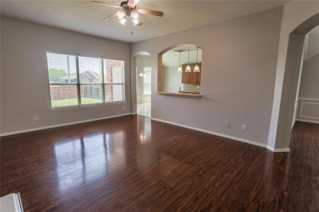 8104 Toltec  Court, Arlington, Texas 76002 - acquisto real estate best real estate company to work for