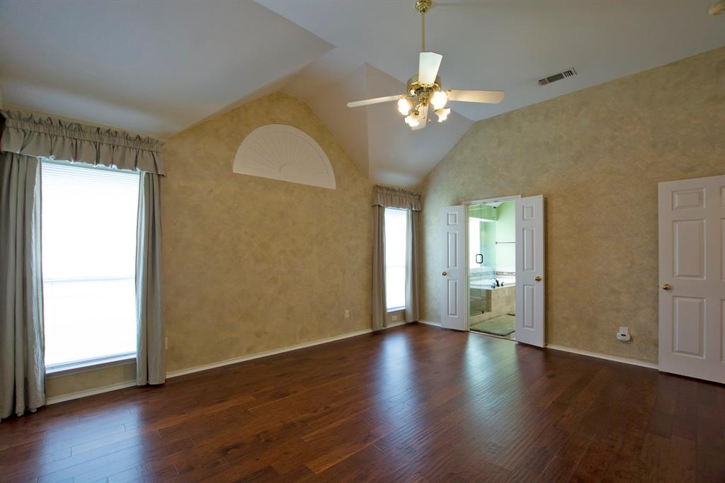 1701 Hill Creek  Drive, Garland, Texas 75043 - acquisto real estate best realtor foreclosure real estate mike shepeherd walnut grove realtor