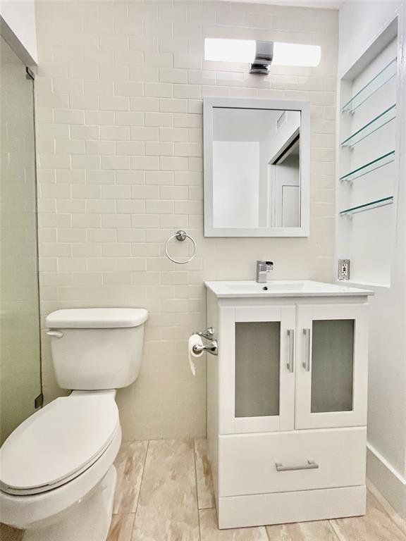 2711 Hood  Street, Dallas, Texas 75219 - acquisto real estate best real estate company in frisco texas real estate showings