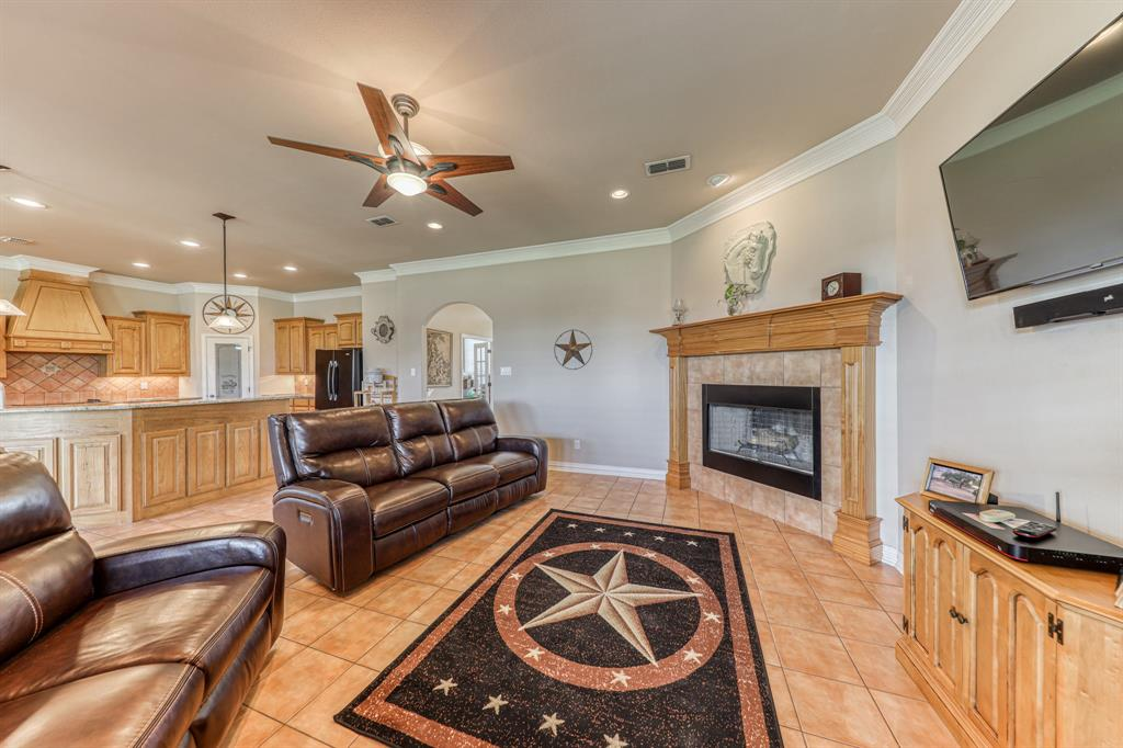 107 Chappel Hill  Court, Weatherford, Texas 76088 - acquisto real estate best prosper realtor susan cancemi windfarms realtor