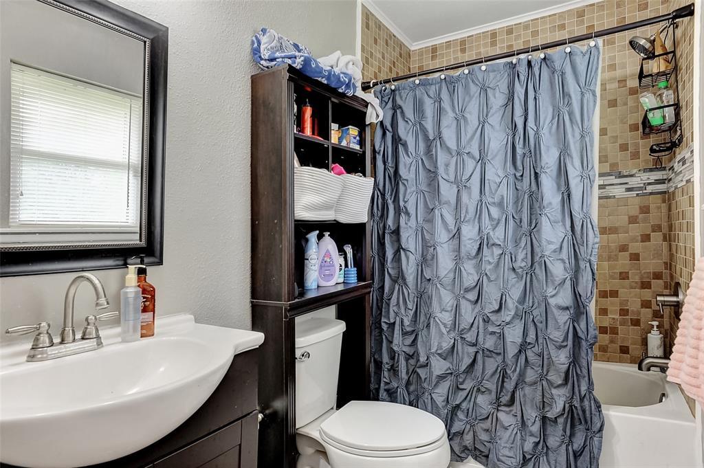 205 Broadway  Street, Whitesboro, Texas 76273 - acquisto real estate best plano real estate agent mike shepherd