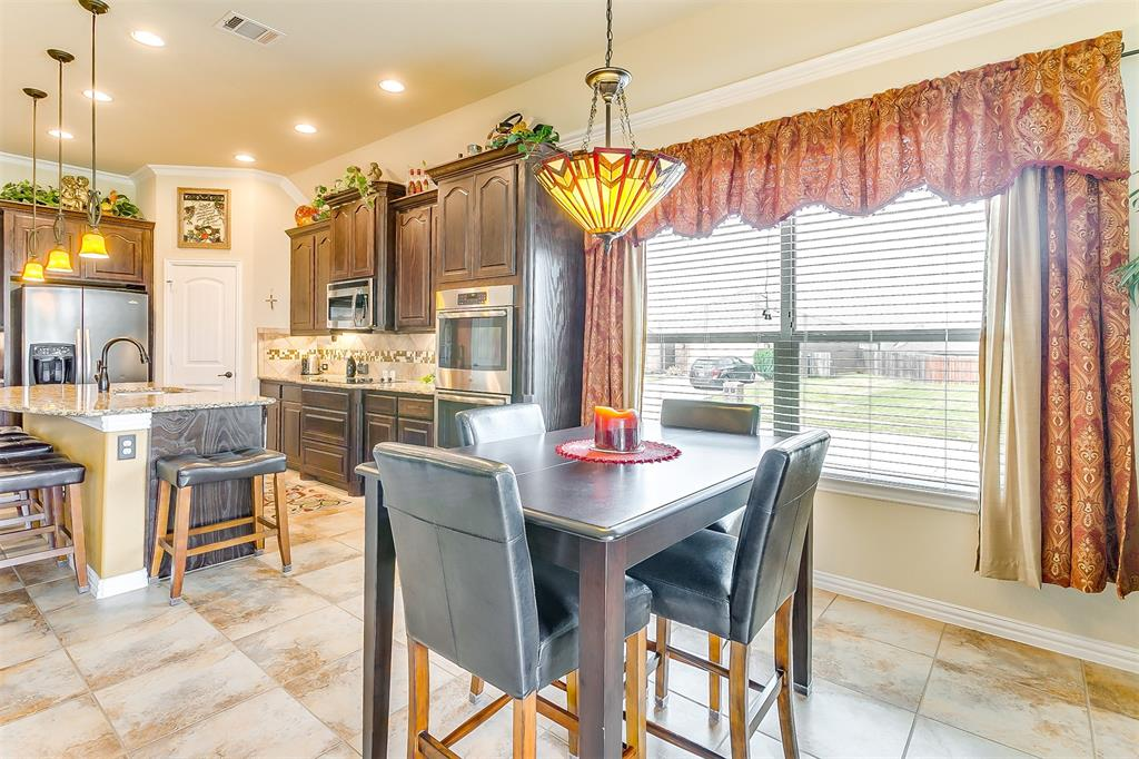 1172 Sapphire  Lane, Burleson, Texas 76058 - acquisto real estate best real estate company to work for